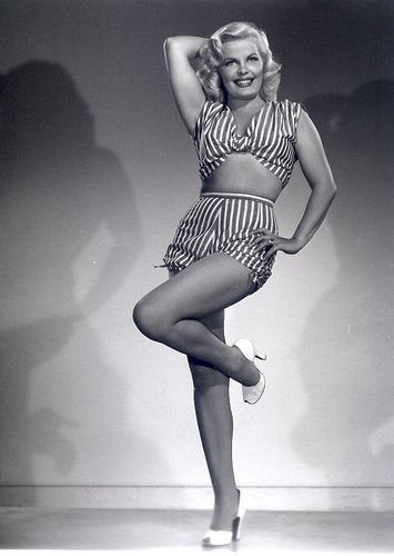 Cleo Moore Which one do you prefer Marilyn Monroe or Cleo Moore